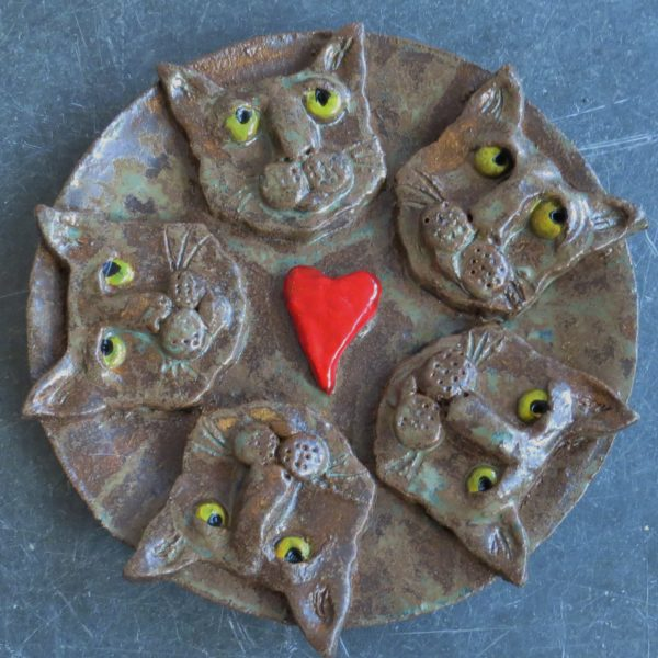 cat head heart dish