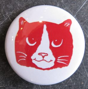 lapel pin, pin, badge, lapel badge, ginger and white cat face, cat artwork, cat gifts, cat presents, gifts for cat lovers, jane adams, pawprint designs