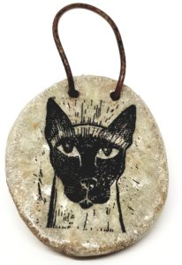 small wall hanging, siamese cat design, siamese, cat wall hanging, cat ceramics, wall plaque, jane adams ceramics, pawprint designs, cornwall